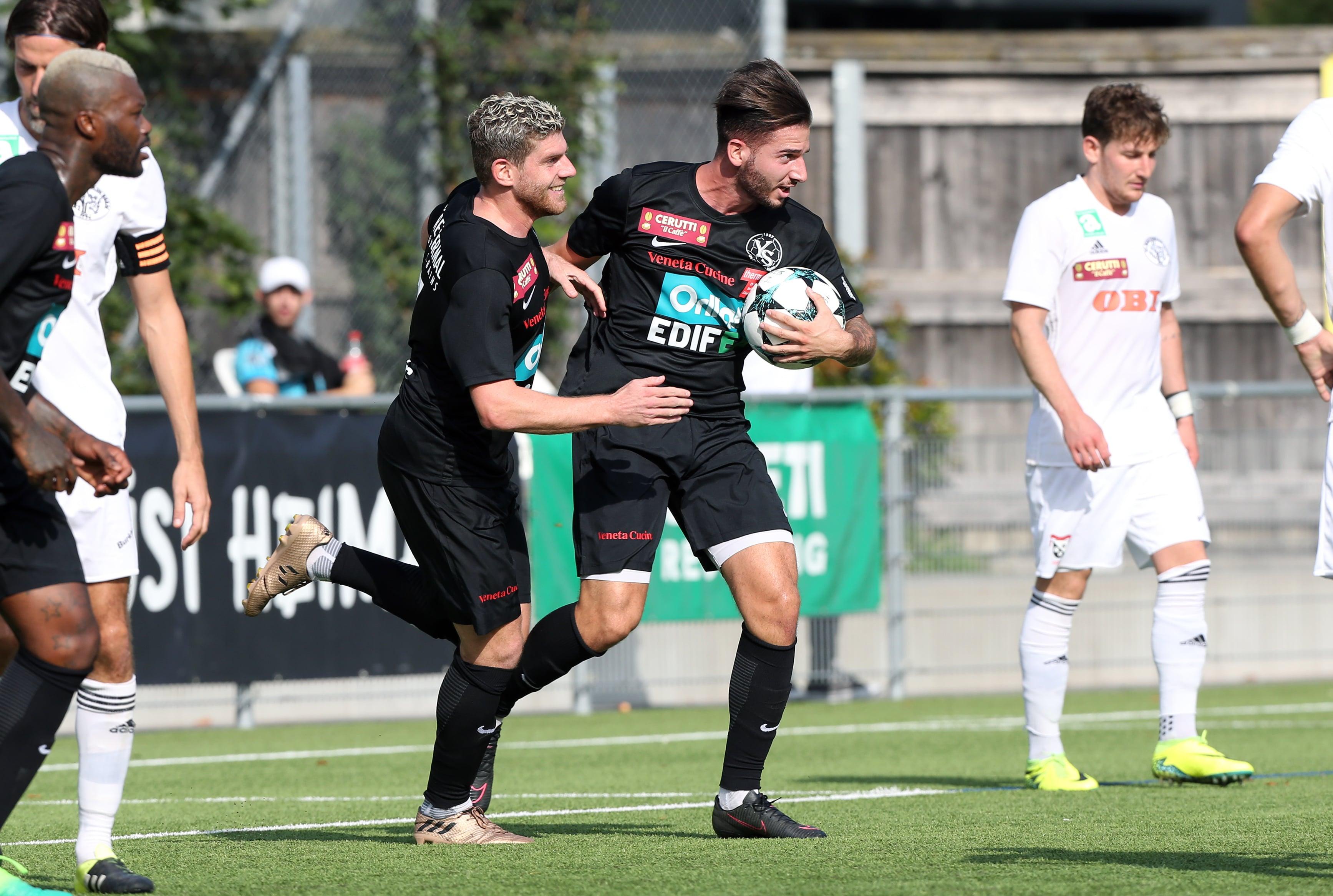 BREITENRAIN (BE), 26 août 2017. Football, première ligue promotion. Breitenrain - Yverdon-Sport 3-1. Stefane Rauti (à dr.) égalise pour son premier but avec YS. (c)FLASHPRESS/ ALLENSPACH